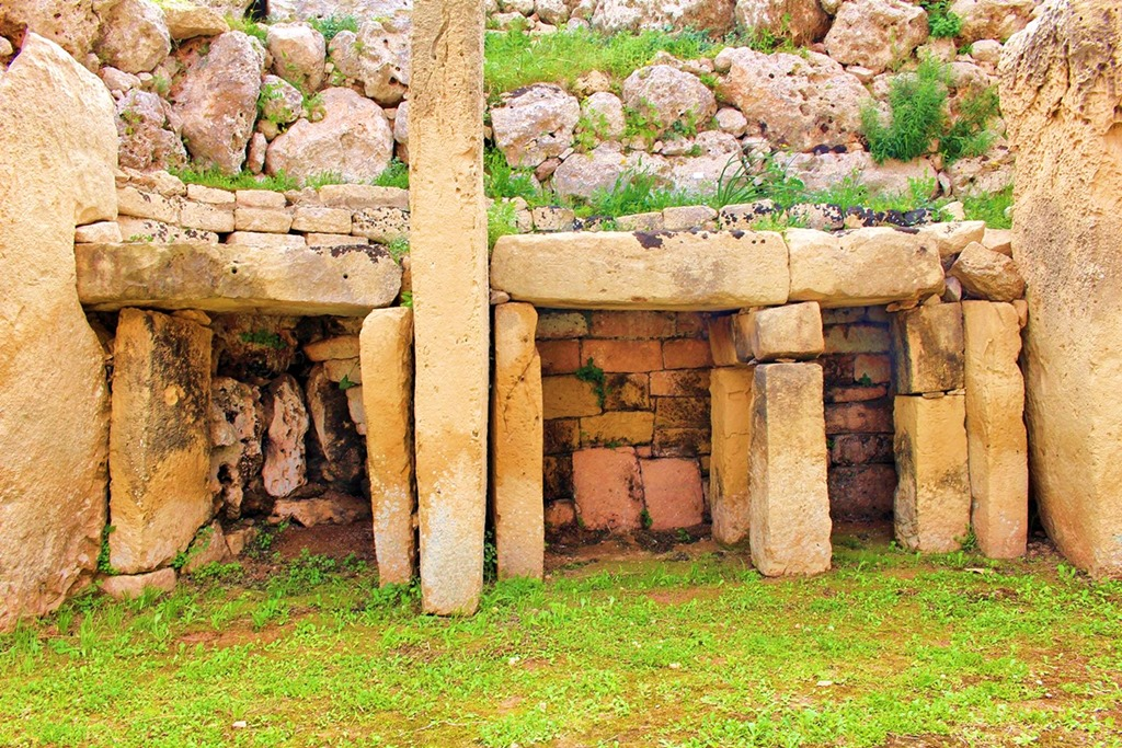 Your Tour Guide to Ggantija Temples of Gozo, Malta